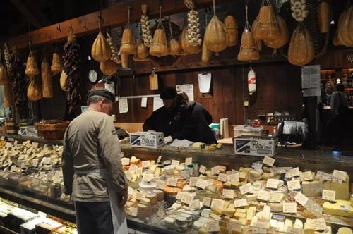 美国的奶酪库存达到每人4.3磅的创纪录高位