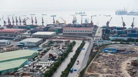中国2月贸易下滑 因为春节扰乱了商业