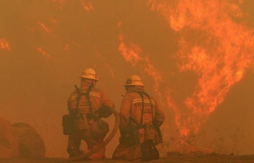 PG&E面临巨大的野火责任 寻求破产保护