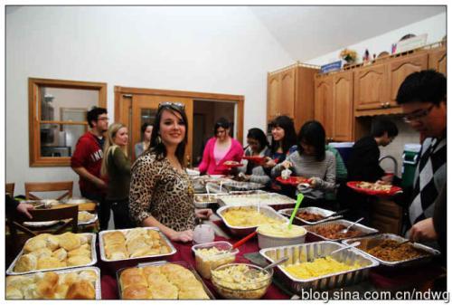 感恩节晚餐费用是八年来最低的
