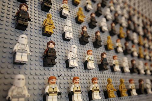 一个保守的网站正在出售一种名为建造墙的类似乐高玩具