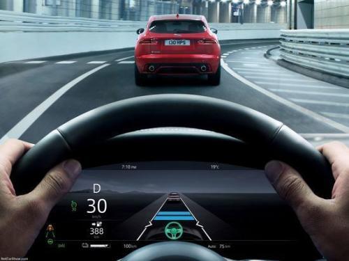 车道保持辅助和自动紧急制动的车辆进行了系统测试
