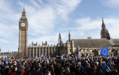 英国脱欧的截止日期目前定在3月29日 但该法案将推迟到12月31日