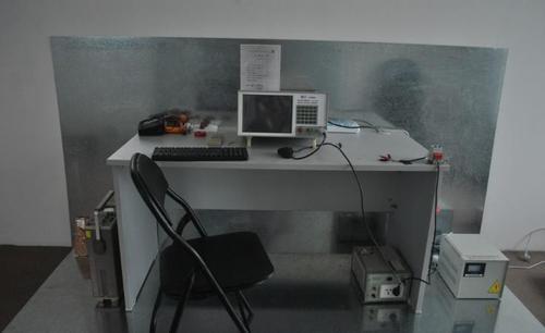 全球市场的新型条形码打印机的开放式EMI测试