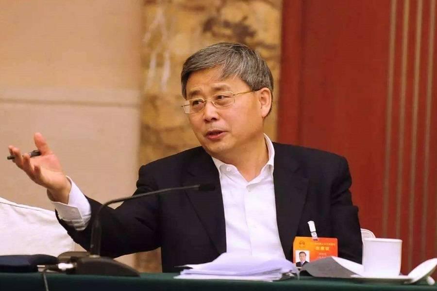 郭树清 银行业资金脱实向虚势头已得到初步遏制