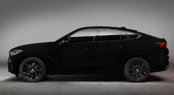 宝马X6 Vantablack In Motion看起来像一个滚动的黑洞