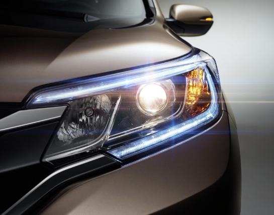 许多汽车评论家都知道这一点 但可能没有关注:大多数新车头灯都不是那么好