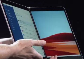微软宣布采用双屏技术的可折叠Android Phone Surface Duo