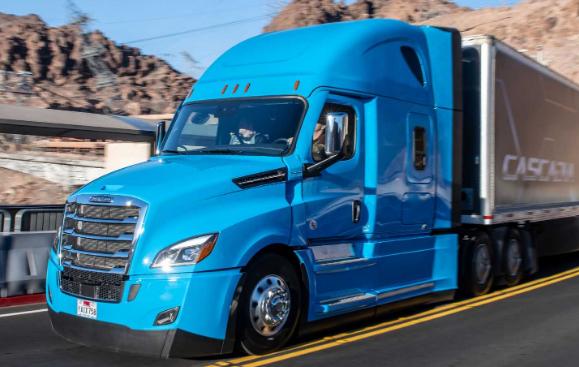 戴姆勒和Waymo提供自动驾驶的半自动驾驶汽车