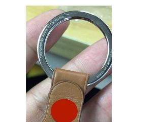 粗略照片声称显示苹果AirTags钥匙圈配件