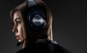罗技使用其Pro X耳机的Lightspeed无线版本切断电源线
