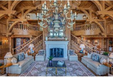 红山顶上的一座非同寻常的白杨房屋以4950万美元的价格上市