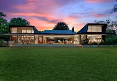 得克萨斯州奥斯丁的当代湖边房地产售价创历史新高